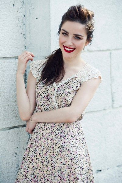 Özge Gürel in turkish serial cherry season Kiraz mevsimi  (Aashiqui)