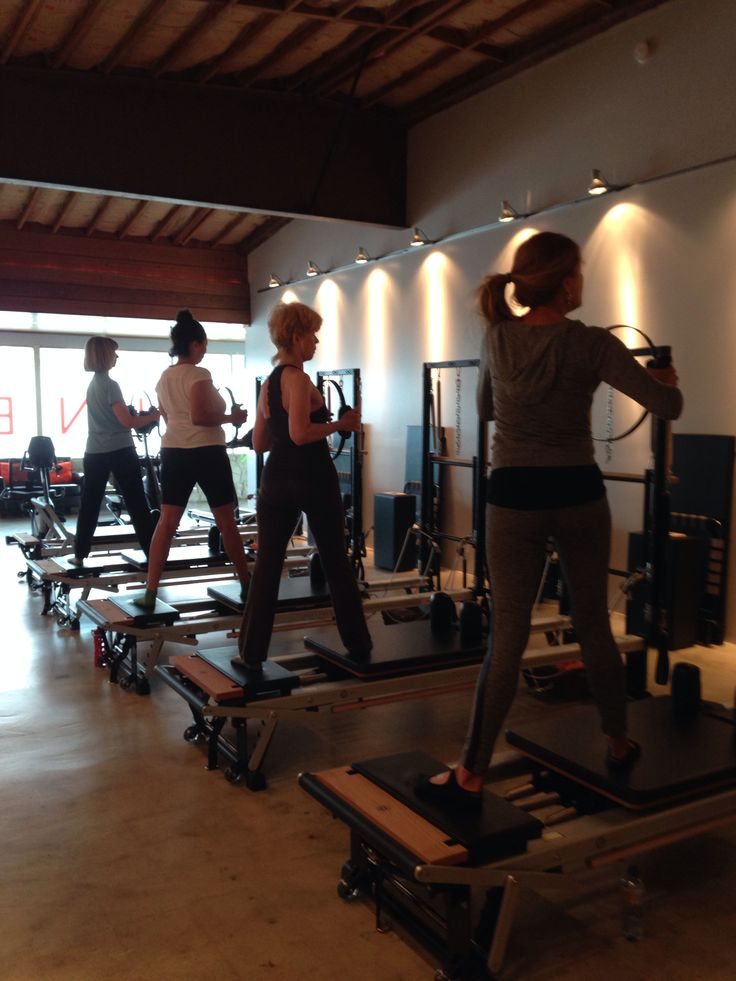 #stott #pilates #reformer group at @Kinesis Group today! Movement in different planes is a MUST! Twist, press, balance, stabilize & strengthen... @KD Eustaquio Smith