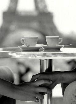Era un amore da conversazione, il nostro. Un amore extraconiugale, extraparentale. Extra tutto.