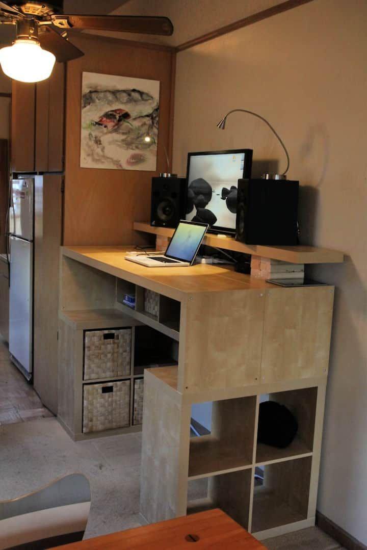 25 Ikea Desk Hacks To Build Your Own Desk In 2020 Diy Standing Desk Diy Standing Desk Plans Ikea Standing Desk