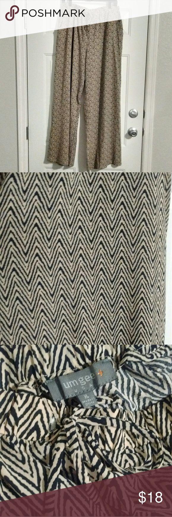 Umgee Chevron Pants Chevron pants with pockets, elastic waistband & waist tie.   Brand: Umgee Size: XL Umgee Pants