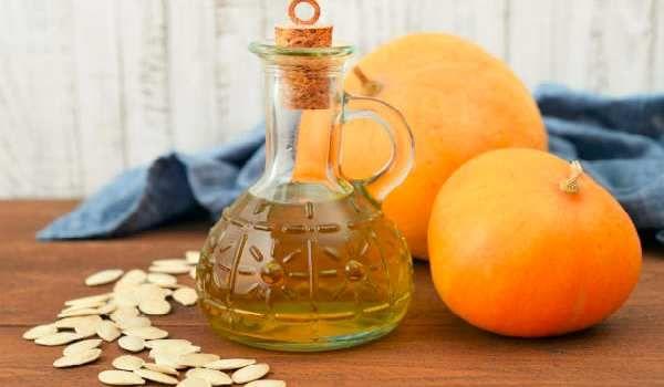 قرع العسل أو اليقطين ليس فقط ثمرة لذيذة الطعم ويمكن طهيها بألذ الوصفات ولكنها تحمل أيضا الكثير من الفوائد تعرفوا عل Pumpkin Seeds Pumpkin Seed Oil Herbs List
