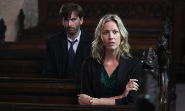 Broadchurch Episode 5 airs tonight on ITV at 9pm. According to Chris Chibnall, the writer and producer of the 8 part series, this one is a pivotal episode that you want don't want to be spoiled by Twitter. So watch it live and see what everyone is talking about. Read all about Broadchurch on our dedicated pages ...