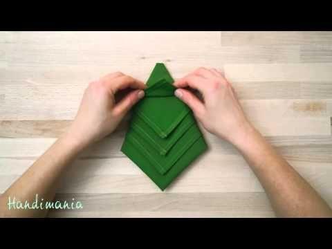 Tovagliolo piegato ad Albero di Natale-Christmas Tree Napkin Folding-Natale Fai da te-DIY - YouTube