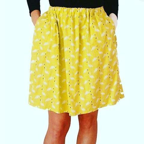 I'ES gonna fenicotteri con elastico in vita  e tasche #giallo #acido www.iesmode.com
