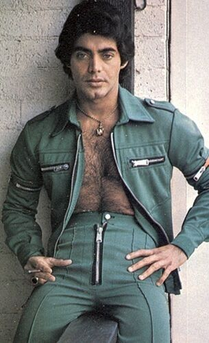 Zippity do da! I'm afraid he might get chest hair caught up in all those zippers. Ouch!!
