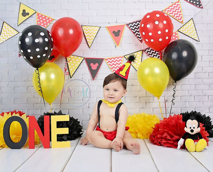 Mickey Mouse photo session, Mickey Mouse cake smash