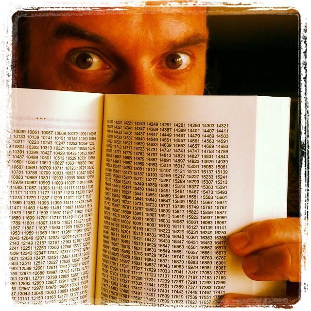 Titulo de cuatro letras con tiene paginas llenas de numeros que se llama ...? :)  tips: #coding #games