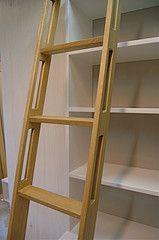 detail ladder (Joris Bkkerink Binnenwerk Ruimtelijke vormgeving) Tags: ladder bibliotheek trap trapje laddertje wwwladdertjesnet bibliotheekladder boekenladder boekenkastladder