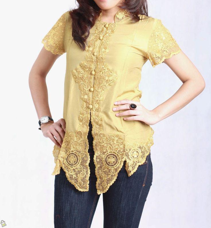 Kebaya modern sebagai salah satu budaya Indonesia yang telah membawa nama Indonesia harum di dunia internasional karena telah menjadi sebuah...