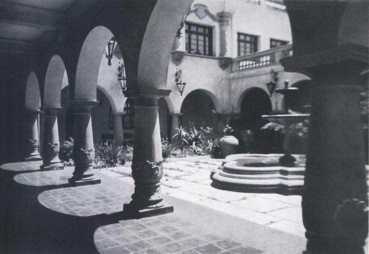 """Municipalidad de La Serena en 1959Fotografía del Libro """"Chile"""" de Robert Gerstmann"""".  - EnterrenoEnterreno"""