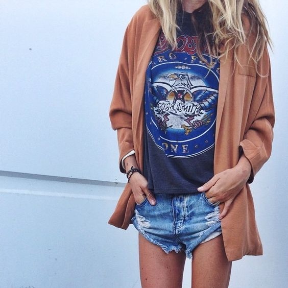How to style a vintage tee