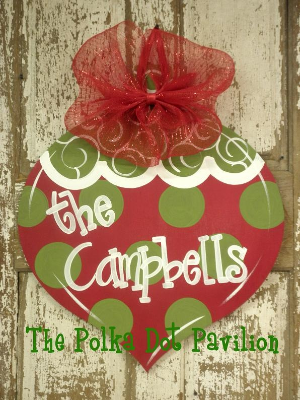 holiday door hanger...can't wait to make this with our plywood :-)