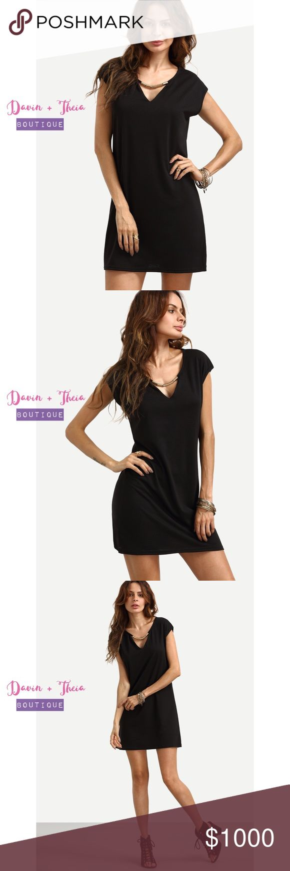 """SALE‼️ Black V-Neck Shift Dress Casual style Black V Neck Shift Dress. Material is cotton blend. Limited quantity, only have 1 for each size.  Please ask questions before purchasing. Submit your offer thru the """"Offer"""" button NO Price discussion in the comment NO Lowballing NO Trades Davin+Theia Dresses"""