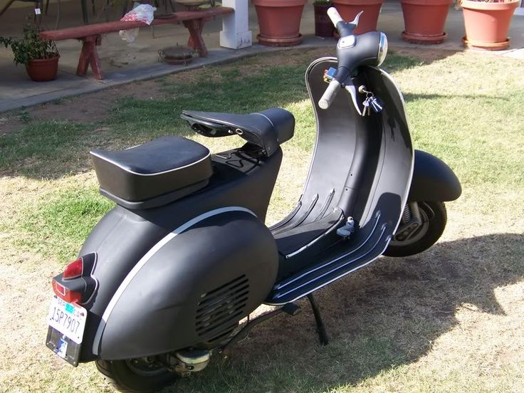 modern vespa anybody rattle can paint a scooter