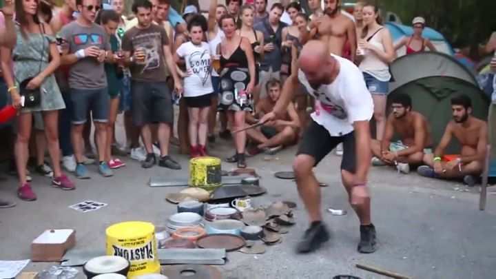 I can't believe he can do this with pots and pans. Amazing talent! #EDMFamily #EDM #music #TranceFamily #housemusic #edmlife #trance #house
