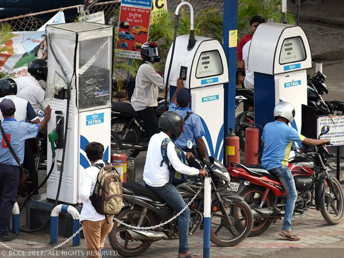 Petrol: Solar power helps pump up petrol sales amid power shortage - The Economic Times