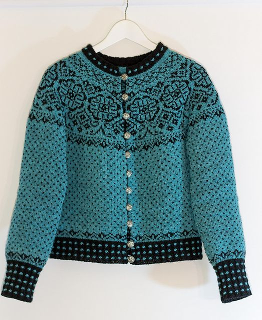 Ravelry: Elins kofte pattern by Wenche Roald. Norwegian only. 60 Kronen.