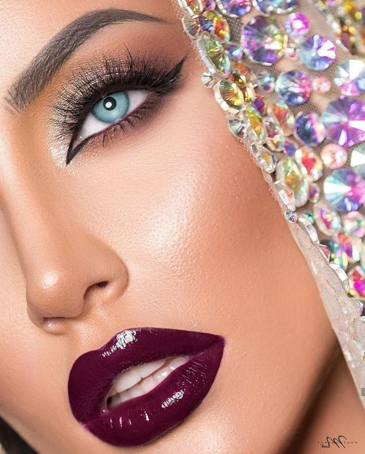 Pin By Sumaiya Khan On Makeup Beautiful Lipstick Chic Makeup Perfect Red Lips