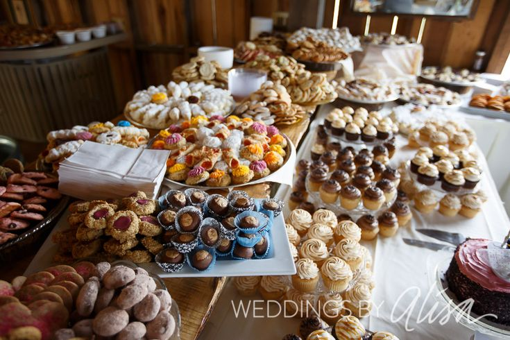 Cookie table tradition in Western Pennsylvania and Pittsburgh, Wedding cookie table, Pittsburgh Wedding Photographers