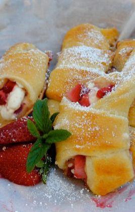 Strawberry Cream Cheese Crescent Rolls