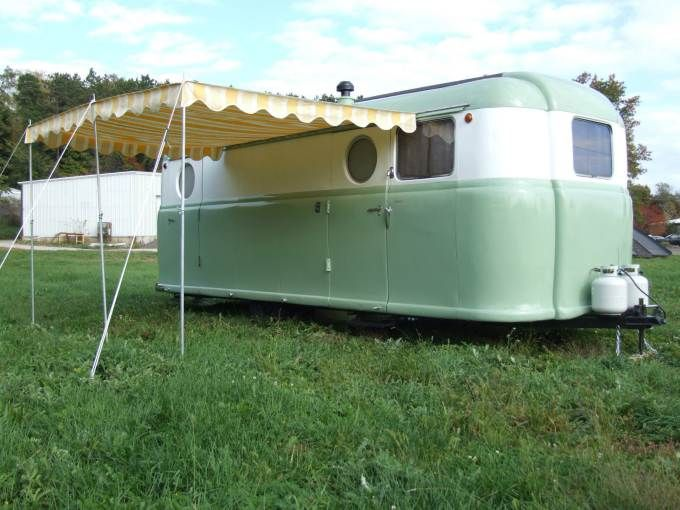 Love this vintage look! http://mobilehomeliving.org/vintage-trailers-for-sale-1949-palace-royale-ebay/?utm_content=buffer03654&utm_medium=social&utm_source=pinterest.com&utm_campaign=buffer