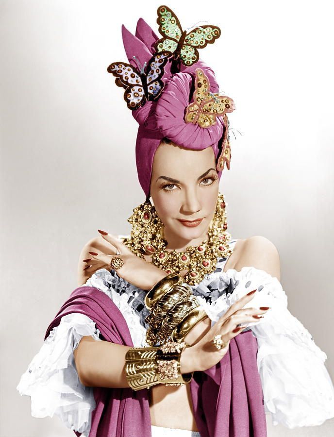 Absolutely divine in the butterfly turban! I <3 Carmen Miranda