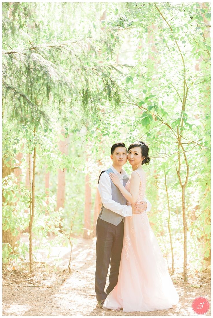 An Enchanted Woodland Forest Fairytale Engagement Shoot in Toronto   Kortright Centre, Vaughan      © 2016 Samantha Ong Photography www.samanthaongphoto.com #samanthaongphoto #engagementphotography #engagement #torontoengagement #kortright #fairytale #torontoengagement #vaughan #forestengagement #fairytaleengagement