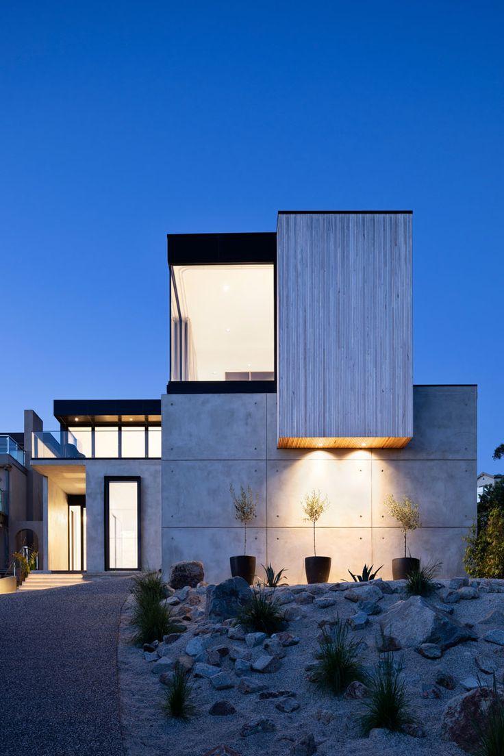 The Martha's Peak House by ARKI Design Studio