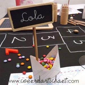 Décor de table par thème : école, cour de récréation