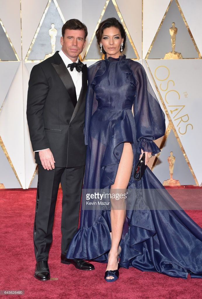 Actor/screenwriter Taylor Sheridan (L) and Nicole Sheridan attend the 89th Annual Academy Awards at Hollywood & Highland Center on February 26, 2017 in Hollywood, California.