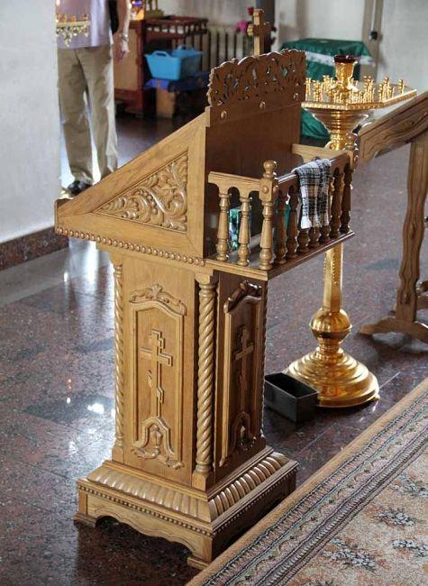 Иконостасы, кресла горнего места и др. храмовая мебель