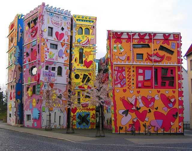15 years later the Happy Rizzi House is part of the city's landscape and most denizens of Brunswick would be loathe to see it torn down.: James Of Arci, Rizzi House, The Artists, James D'Arcy, Street Art, James Rizzi, Happy Rizzi, Germany, Streetart