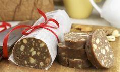 Почти забытый рецепт из детства: шоколадная колбаса из печенья.       какао — 2 ст. л.;     масло сливочное — 200 г;     молоко — 0.5 ст.;     грецкий орех — 100 г;     печенье — 500 г;     сахар — 1 ст.