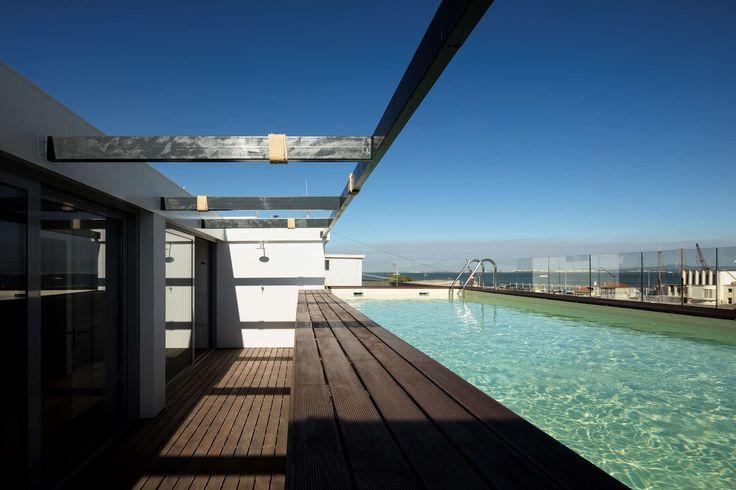 LOCATION | Lisbon TYPOLOGY | Residential Fernando Guerra