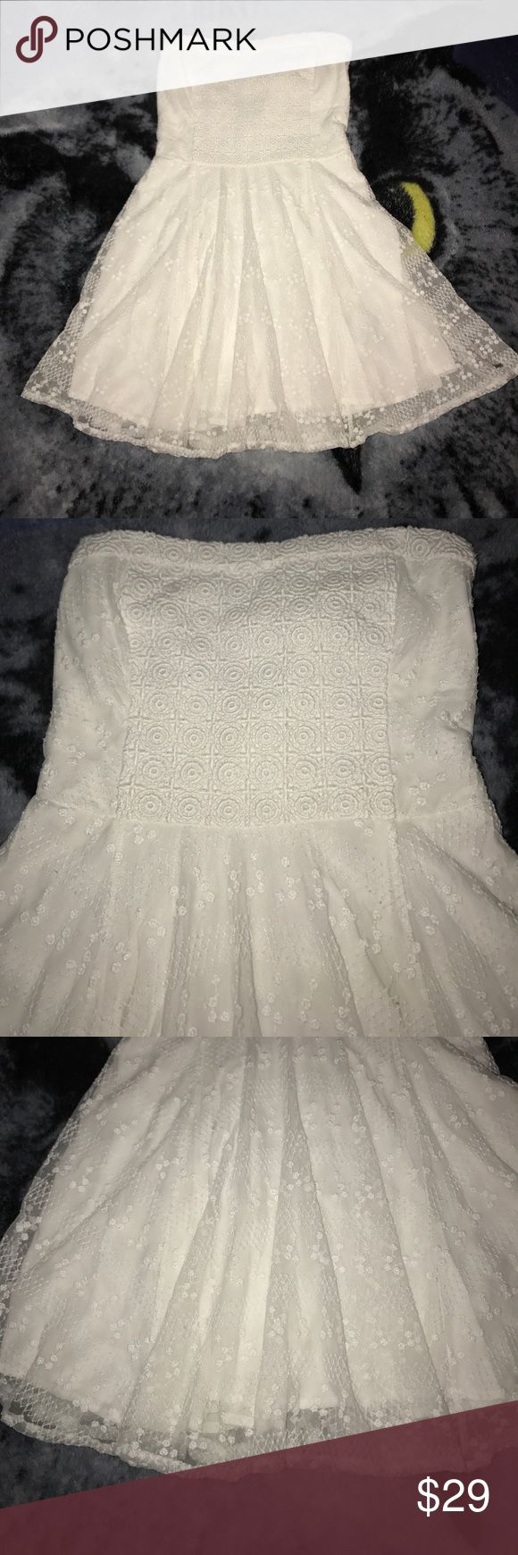 Abercrombie and Fitch dress size small White Abercrombie and Fitch dress very pretty Abercrombie & Fitch Dresses Mini