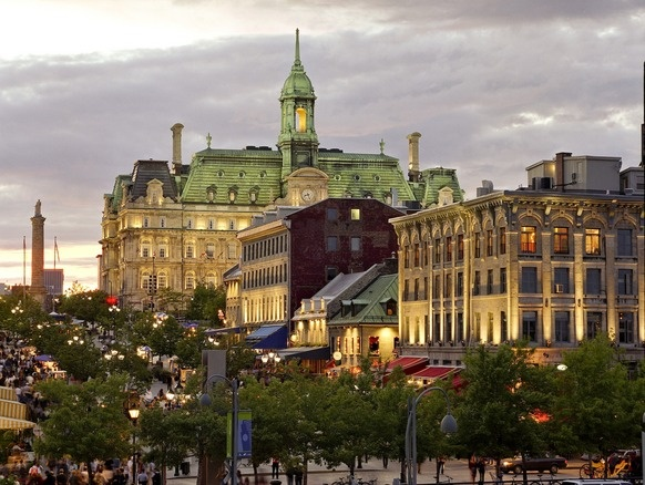 There are a lot of great spots to visit and a lot of free activities for families in Montreal #oldport