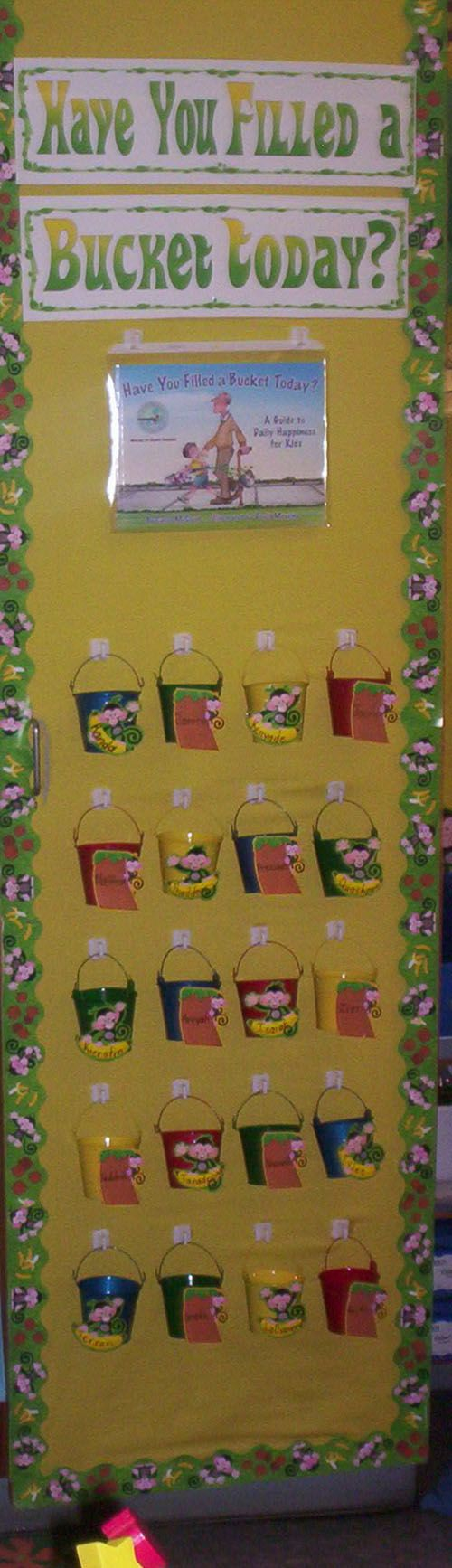 [Bucket Filling]Classroom - Lessons, Ideas, and Printables: Classroom Idea, Bucket Filler Book, Bucket Filler Lesson, Classroom Reward, Bulletin Boards, Bucket Fillers, Bucket Filler Printable, Bucket Filling Lesson