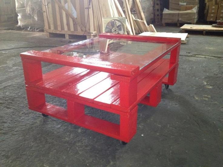 Mesas ratonas y muebles con madera de pallet muebles de - Comprar muebles de palets ...