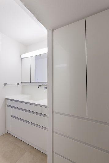 バス/トイレ事例:洗面(重厚感漂うラグジュアリー空間 (リノベーション))