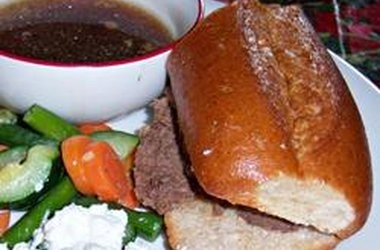 Easy Slow Cooker French Dip | Yummy things to eat: Crock Pot | Pinter ...