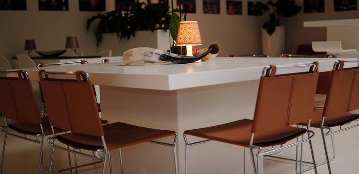 Delight nieuwe vierkante tafel met Crumpchairs