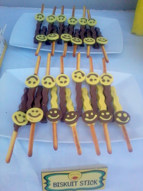biscuit chocolate stick