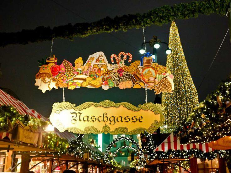 Weihnachtsmarkt auf dem Rathausmarkt, Hamburg