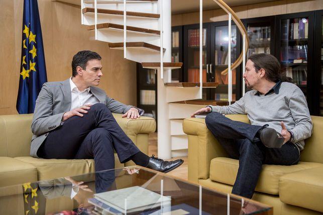 """Podemos pide al PSOE que se defina: """"El Pedro Sánchez de las primarias o la marioneta de Susana Díaz?"""""""