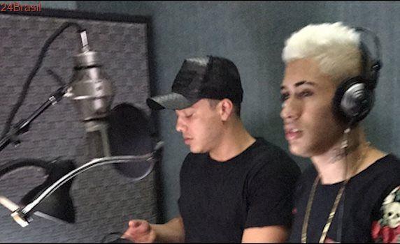 Wesley Safadão e MC Kevinho gravando Olha a Explosão