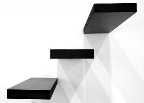 Escalera prefabricada en voladizo