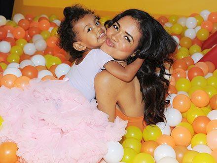 Jennifer Freeman and her daughter Isabella #Motherhood