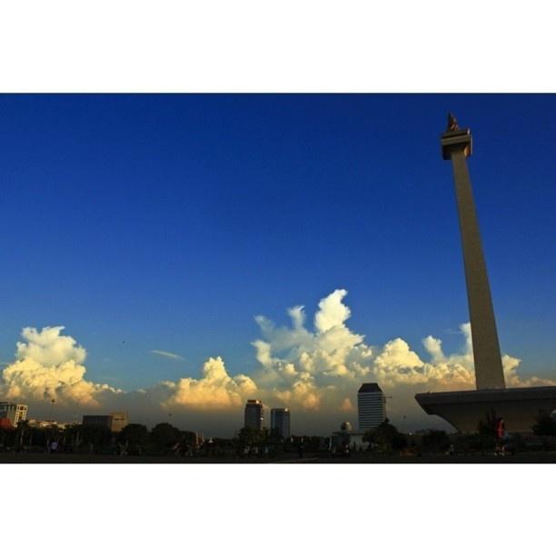Morning jekardah  #iphonesia #iphoneography #instadaily #instago #instagood #gang_family #gf_indonesia #ikaskus #gang_kaskus #instagram #statigram #webstagram #sierra_sandwich #jakarta #popular #indonesia - @zico_fauziansyah- #webstagram
