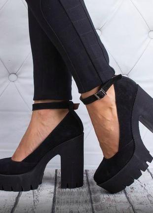 Черные замшевые кожаные женские туфли на высоком каблуке и тракторной  подошве рр 36-40 ba7f3a1c4e1